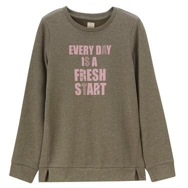 Printed slogan pullover